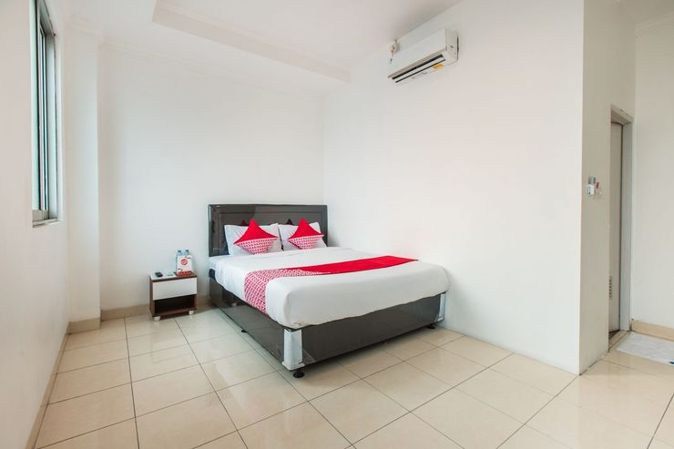OYO 1422 My Home @ancol Near RSUD Pademangan Jakarta - Bedroom