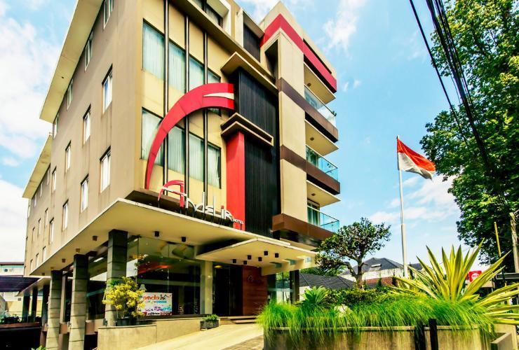 Andelir Hotel Bandung - Facade