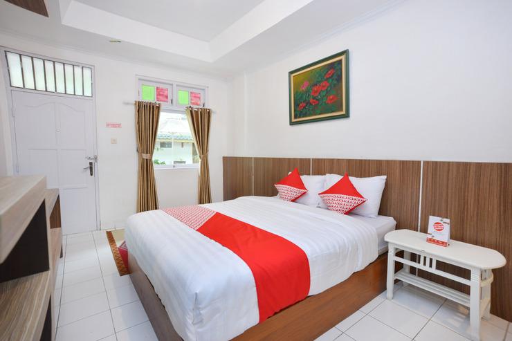 Capital O 606 Hotel Bhinneka Yogyakarta - Bedroom