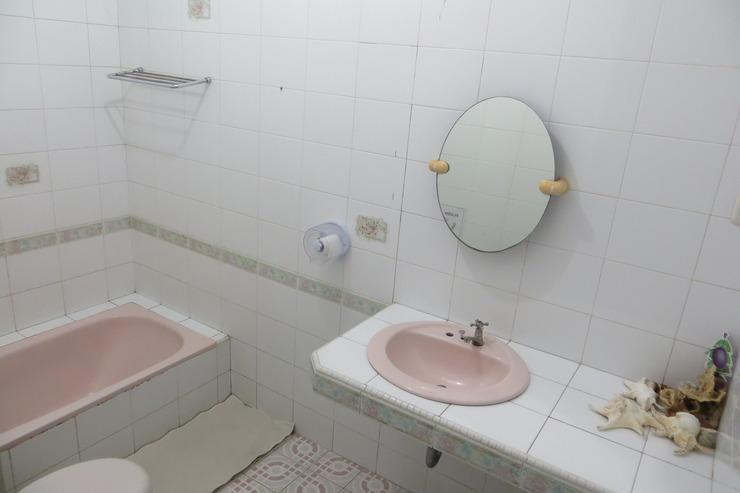 Brigittes House Padang - kamar mandi deluxe room