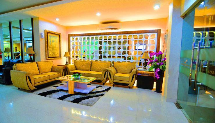 Rangkayo Basa - Halal Hotel Padang - Lobi