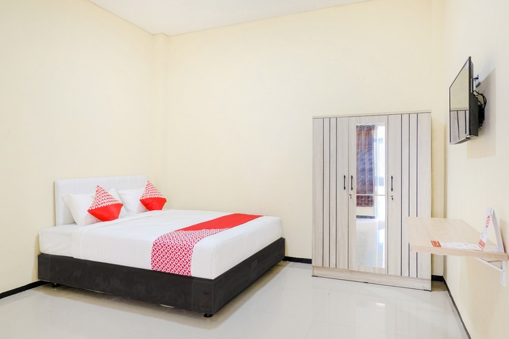 OYO 1468 SM House Malang - Guestroom S/D