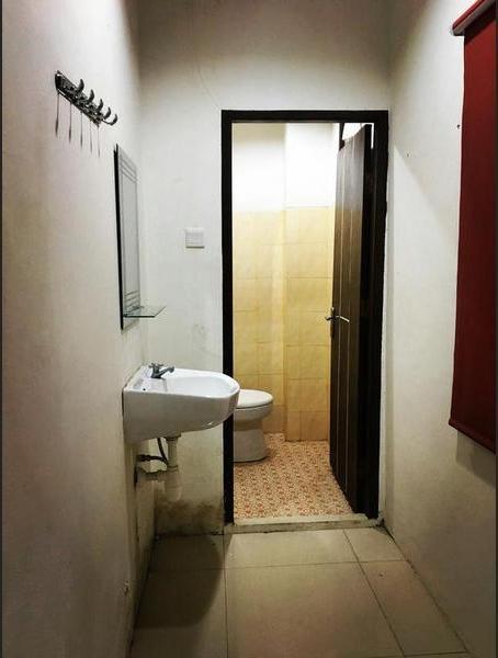 Her Guest House Mandiri Balikpapan - Bathroom