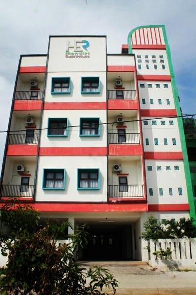 Her Guest House Mandiri Balikpapan - Facade