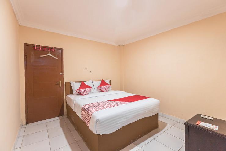 OYO 527 My Home Bekasi - Bedroom