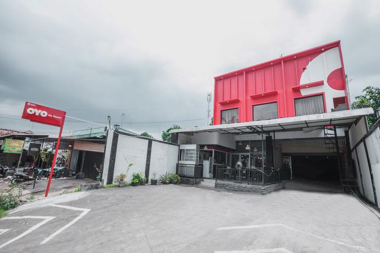 OYO 527 My Home Bekasi - Facade