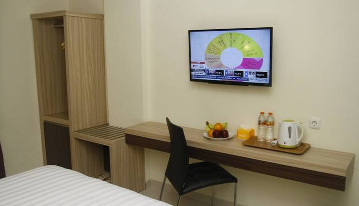 Hersya Front One Inn Surabaya - Fasilitas