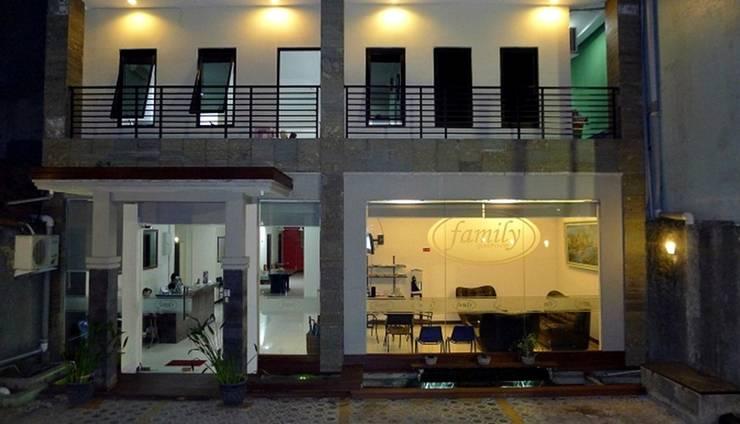 Family Guest House Surabaya - Tampilan Luar