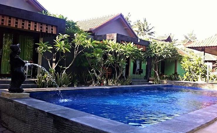 D and B Bungalows by WizZeLa Bali - Kolam Renang