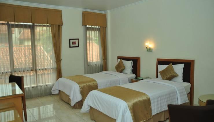 Ahadiat Hotel & Bungalow Bandung - Deluxe Twin