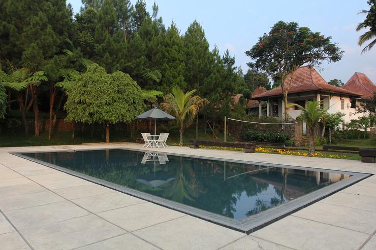 OYO 156 Wirasamala Villa Puncak - POOL