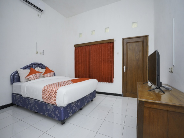 OYO 1999 Hotel Tentrem Syariah Probolinggo - Guestroom S/D