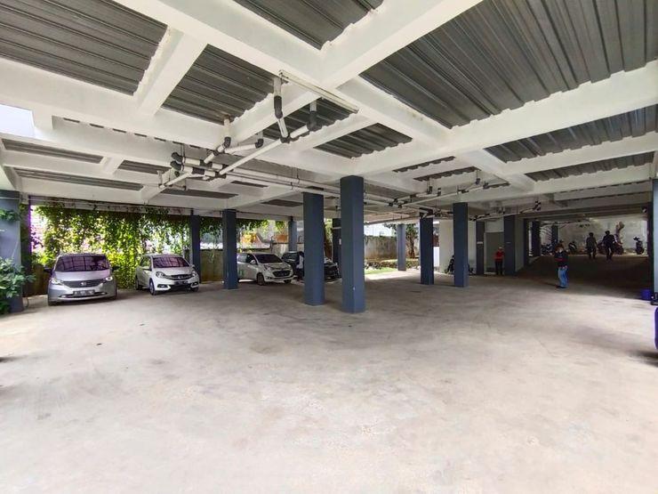 Nusalink Near Universitas Pakuan Bogor - Car Parking