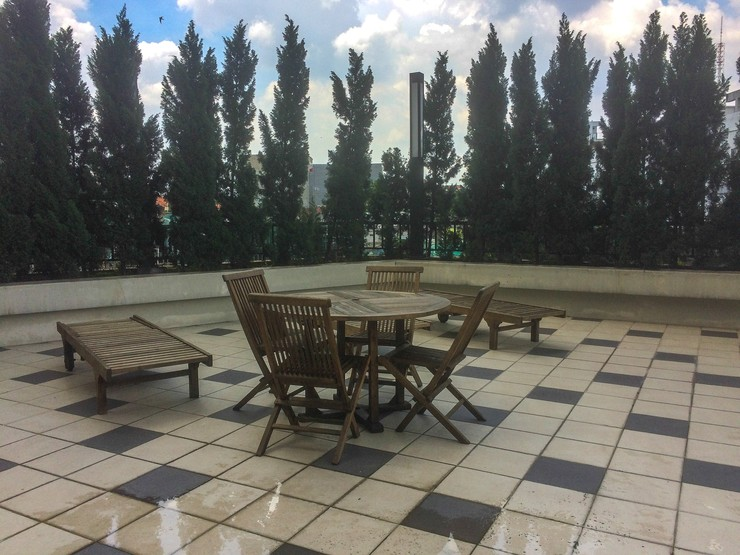 Super Luxury Studio Oasis Apartment Cikarang By Travelio Bekasi - Area duduk