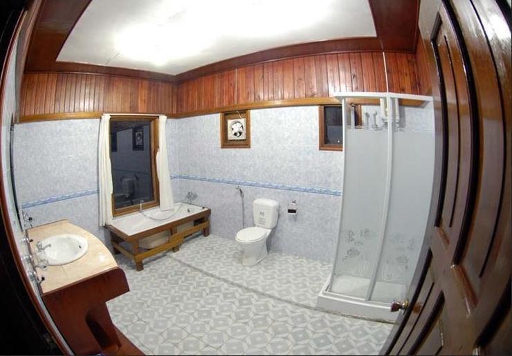 Maratua Paradise Resort Berau - Bathroom