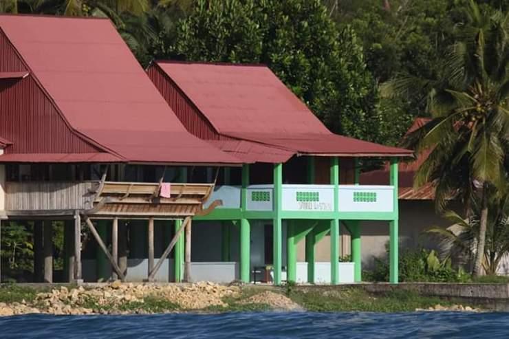 Sanali Losmen Nias Selatan - Exterior