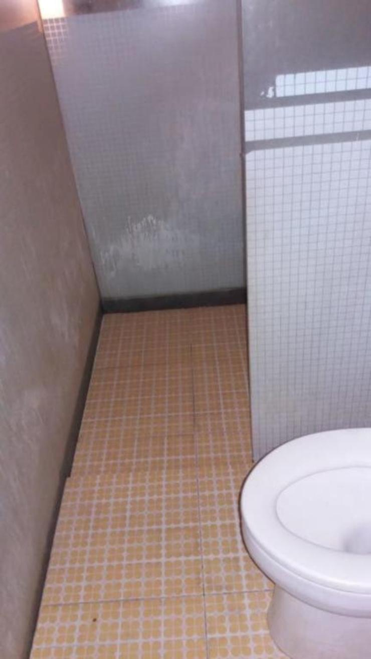 Pitstop Hotel Surabaya - bathroom