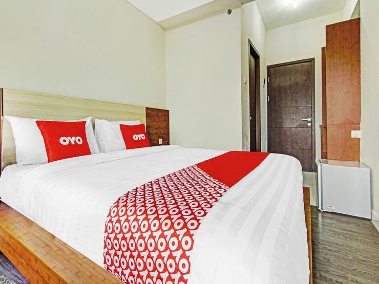 OYO 90330 Sultan Premiere Easton Park Tangerang Selatan - Bedroom