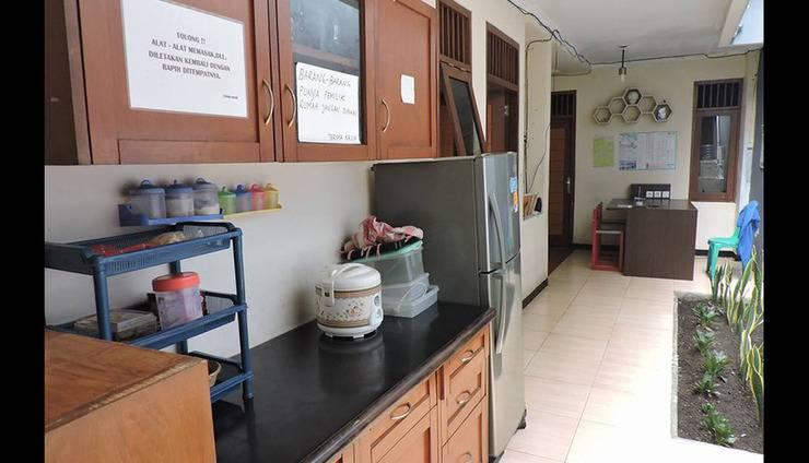 Cipaganti Inn Bandung Bandung - Kitchen