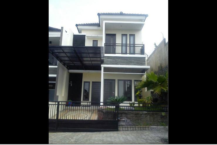Villa Kencana Apel C1 Malang - Exterior
