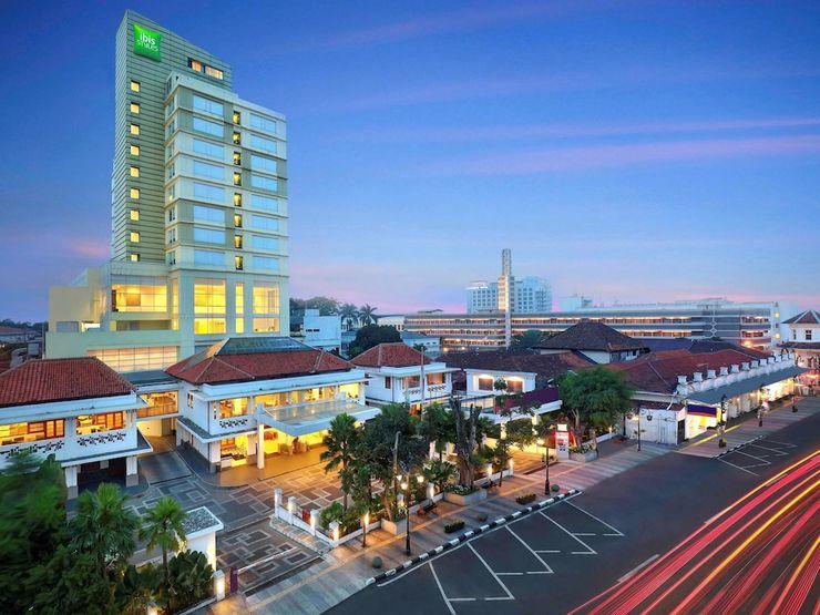 Ibis Styles Bandung Braga - Featured Image