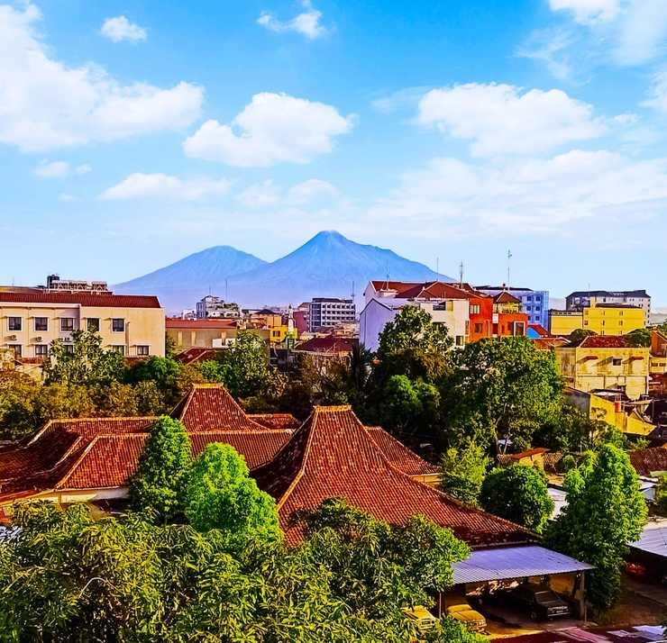 Hotel Radyoharto Yogyakarta - View Merapi Mountain & Merbabu  Mountain
