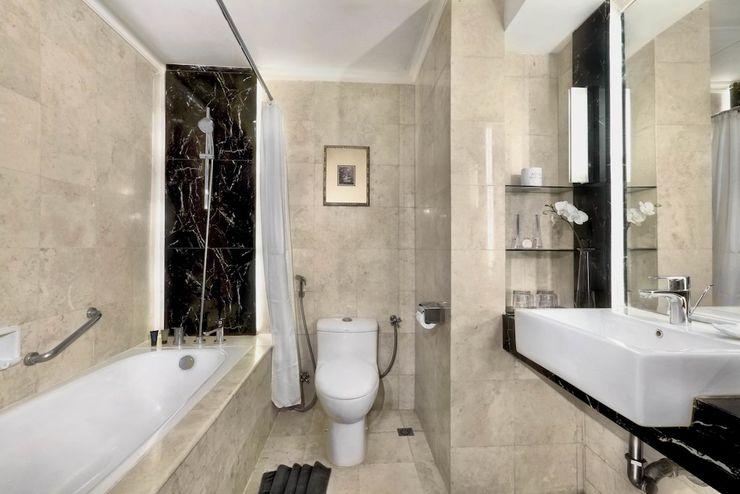Aston Tropicana Bandung - Bathroom
