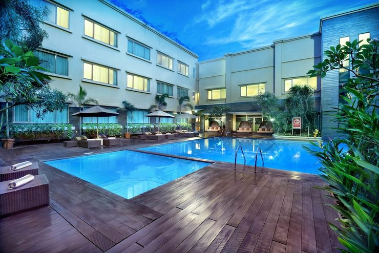 Aston Tropicana Bandung - Outdoor Pool