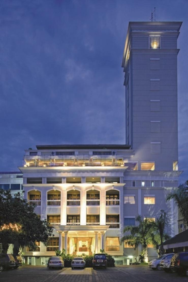 Hotel Le Beringin Salatiga - Facade