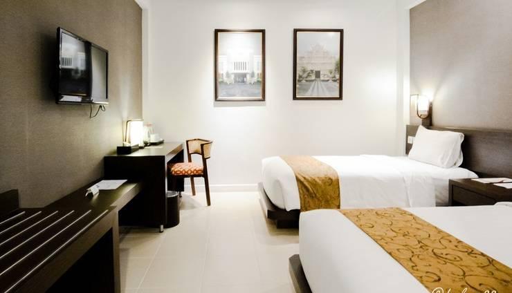 Ayola Tasneem Hotel & Convention Jogja - Superior Twin