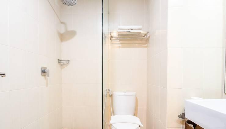 Ayola Tasneem Hotel & Convention Jogja - Bathroom