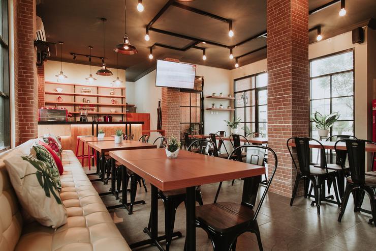 Azzahra Guest House Syariah Surabaya - Aurora Coffee & Eatery