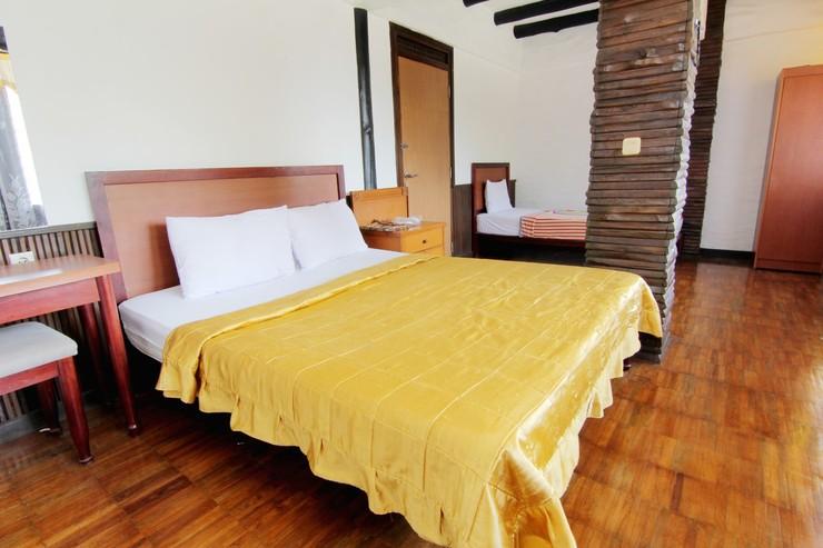 Rumah Kayu Cottage Syariah Bandung - Bedroom