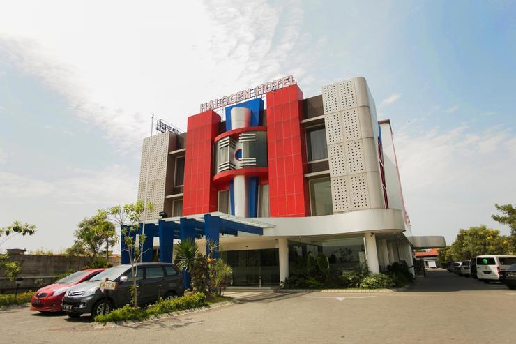 Hotel Halogen Surabaya - Exterior
