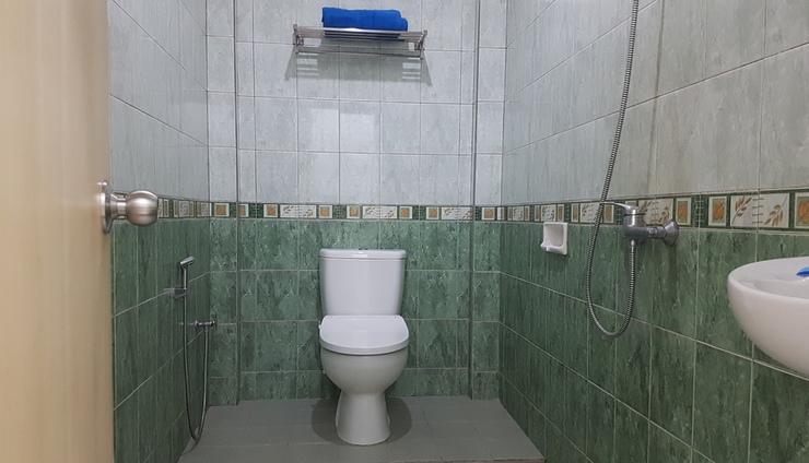 Losmen Simpang Lahat - Bathroom