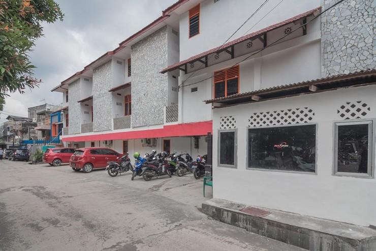 RedDoorz near Trans Studio Mini Palembang Palembang - Bangunan Properti