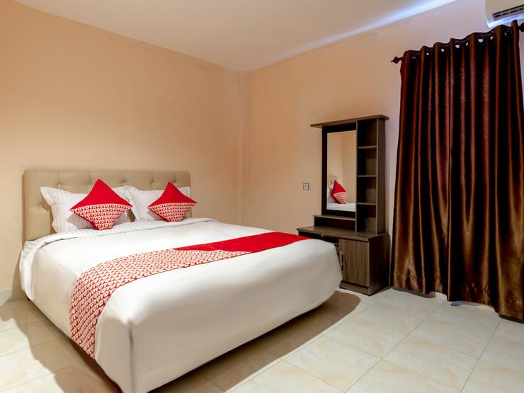 OYO 2895 Paranginan Residence Medan - Bedroom