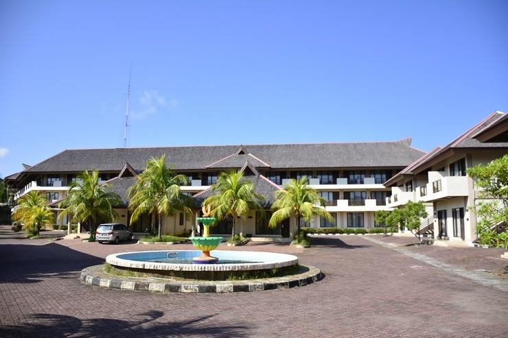 Town House Hotel Bukit Damai Indah Balikpapan - Tampilan Depan Hotel