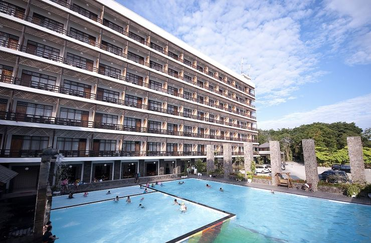 Mesra Business & Resort Hotel Samarinda - Outdoor Pool