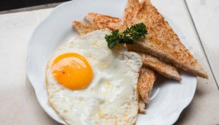 Suarsena Bungalows Ubud - Breakfast