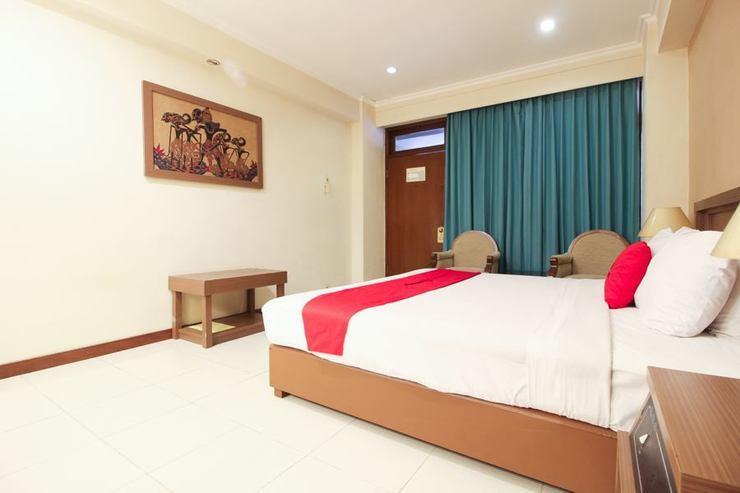 Riyadi Palace Hotel Solo Solo - Guestroom