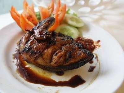Bamboo Inn Hotel & Cafe Jakarta - Makanan
