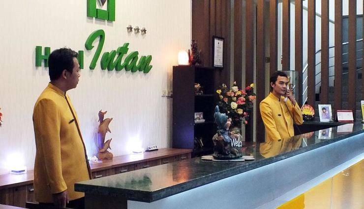 Hotel Intan Cirebon - Lobi