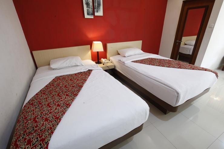 Ono's Hotel Cirebon - SUPERIOR 2 BED