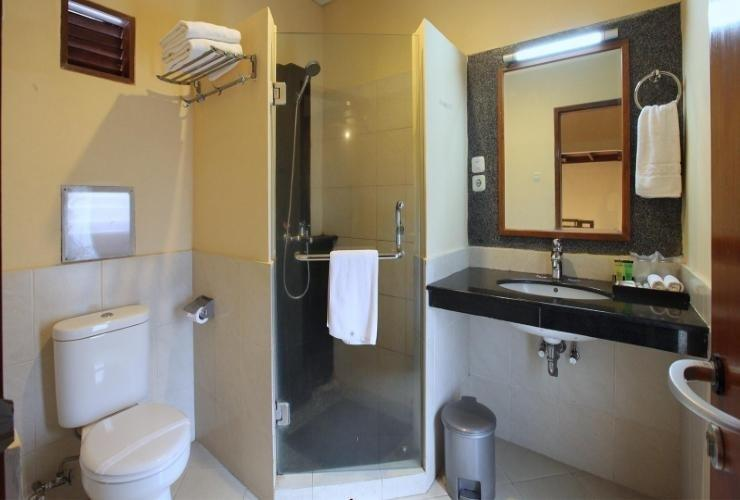 Sindang Reret Cikole Bandung - bathroom