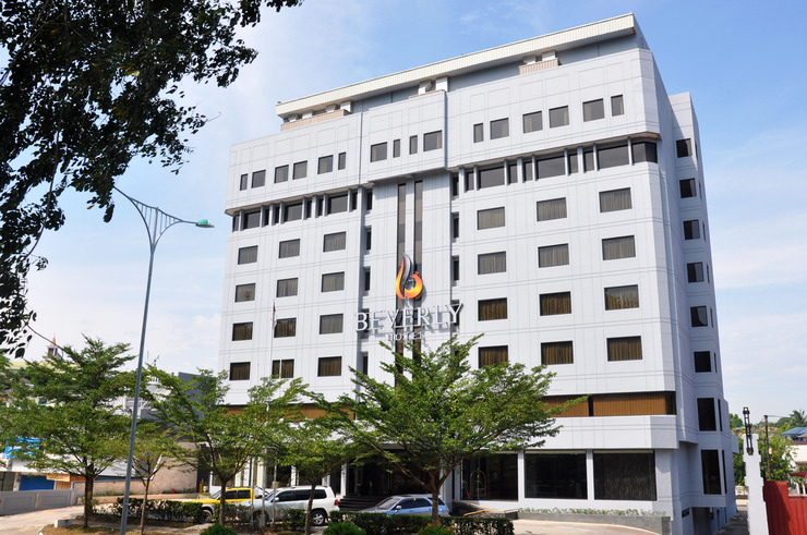 Beverly Hotel Batam Batam - Facade