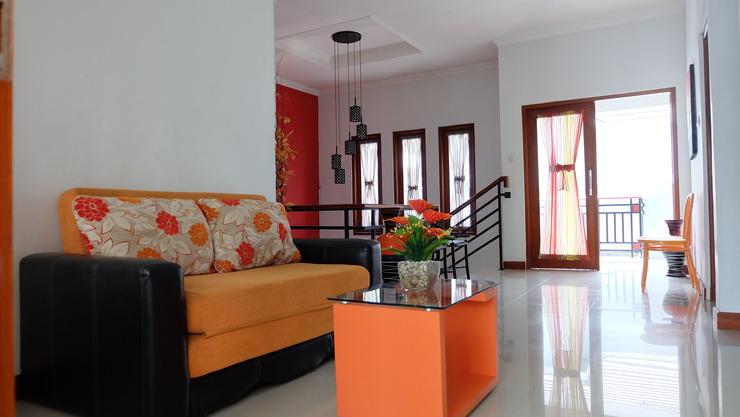 Simply Homy Guest House Ambarukmo 2 Yogyakarta - Ruang Tamu