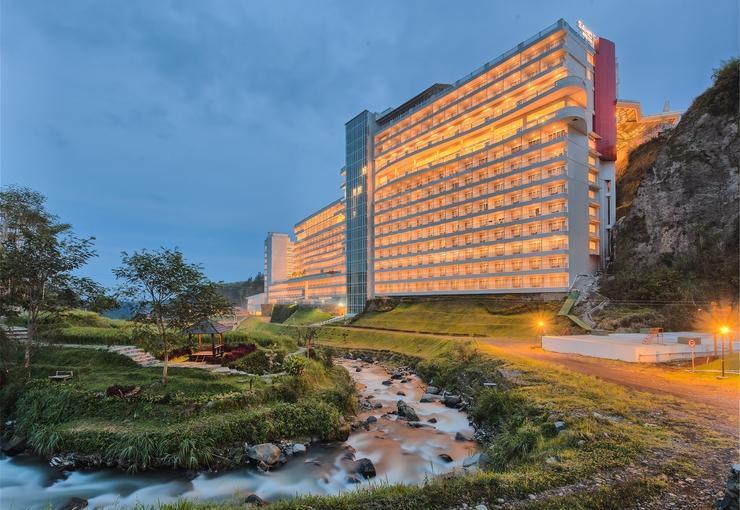 Le Eminence Puncak Hotel Convention & Resort Cipanas - Building