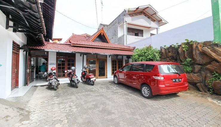 Hotel Bintang Agung Yogyakarta - Exterior