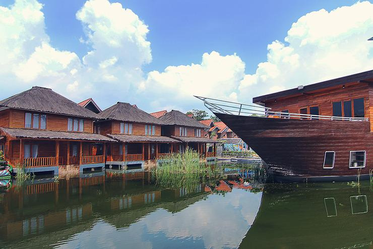 Tirta Kencana Hotel & Resort Garut - Villa Tirta
